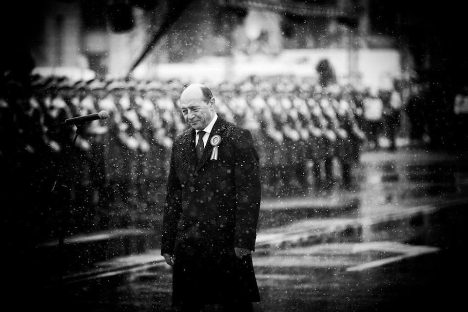Udrea. Băsescu. Ianus sau despre politicianul bifacial BASESCU-1-Decembrie-Mugur-Varzariu