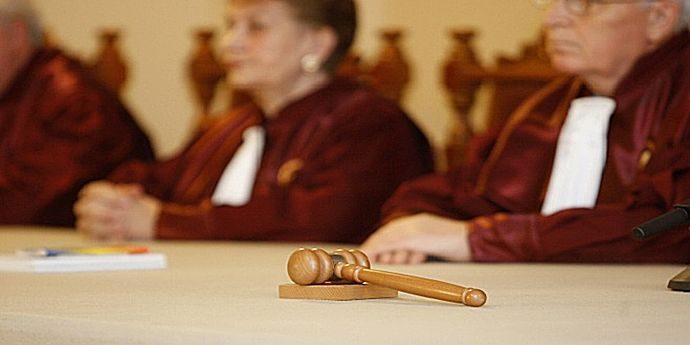 CCR nu dezincriminează abuzul în serviciu
